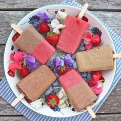 Deliciously sweet and creamy summer popsicles in three flavours - chocolate, strawberry & banana cinnamon.