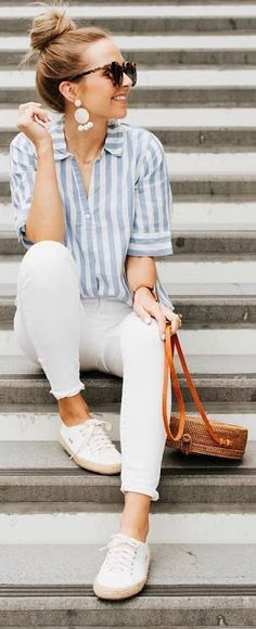 Estilo 10 looks minimalistas y elegantes en verano - Mujer de 10 When do I order and send out my Wed Trendy Summer Outfits, Classy Outfits, Stylish Outfits, Casual Summer Outfits For Women, Summer Casual Styles, Womens Jeans Outfits, Casual Outfits Classy, Casual Clothes For Women, Cute Jean Outfits