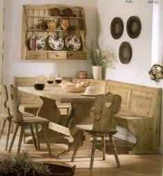 Soggiorno completo in color nocciola composto da Giropanca, Tavolo, 3 sedie e piattaia. Tutto Nuovo, in legno massello e di ottima qualità Prezzo di Fabbrica Contattaci per un preventivo