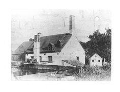 Ancienne Clouterie au Ruisseau du Moulin a Beauport vers 1895 Chute Montmorency, Chateau Frontenac, Le Petit Champlain, Canada, Quebec City, European History, Le Moulin, Vintage Photography, Vintage Photos