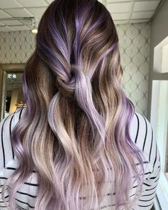 what 40 springtime hair color ideas are making us want to call our hairdressers right now! These lilac highlights are gorgeous against her brown hair! Any floral-inspired hair color is pretty much a good bet for spring. Lilac Hair, Hair Color Purple, Hair Dye Colors, Brown Hair Colors, Cool Hair Color, Spring Hair Colors, Purple Hair Streaks, Gray Hair, Spring Hairstyles