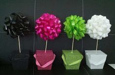 Kinder Kreativity - DIY Table Centerpieces: Inexpensive, quick idea for table centerpieces... can be used in your classroom or for centerpieces at parties