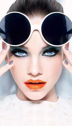 Barbara Palvin, Look Miss Pop - L'Oréal Paris - this orange lip is amazing Fashion Photography Poses, Photography Women, Beauty Photography, Creative Photography, Editorial Photography, Photography Ideas, Beauty Makeup, Eye Makeup, Makeup Lipstick