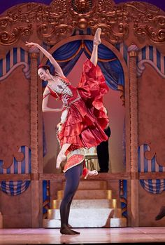 West Australian Ballet's Christian Luck and Polly Hilton in 'The Nutcracker' Photo by Sergey Pevnev.