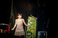 Lauren Mayberry, _Blue Sky Archives Live Concert @ UniFestival Liege-4329 | Flickr - Photo Sharing!