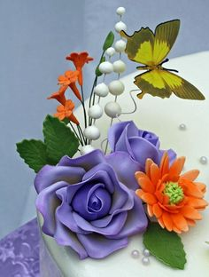Handmade gumpaste flowers - via @Craftsy