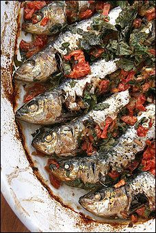 The sardines stay moist and tender, lending their juices to the mixture of parsley, tomatoes and bread crumbs inside. Fish Recipes, Seafood Recipes, Cooking Recipes, Grilled Recipes, Grilled Food, Summer Grilling Recipes, Grilling Ideas, Portuguese Recipes, Portuguese Food