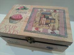 Caja forrada con papel