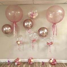 I like the look of these balloons (and the others I pinned).  Elegant and sophisticated even though the colors are not right.