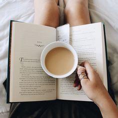 books, coffee, tea : Photo