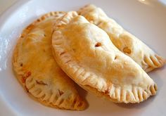 Chef Mommy: Apple Hand Pies-I made these with a homemade crust.  They are so yummy and easy to make! Great for breakfast and can be frozen.