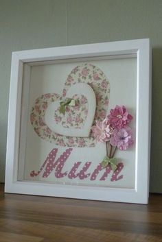 Framed heart, 'Mum' and flowers picture made using fabric and embellishments in . Framed heart, 'Mum' and flowers picture made using fabric and embellishments in shades of Pink 3d Box Frames, Box Picture Frames, Box Frame Art, Deep Box Frames, Shadow Box Frames, Deep Frame Ideas, Scrabble Frame, Scrabble Art, Hobbies And Crafts