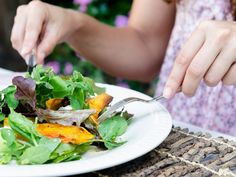 Pair of woman's hands holding cutlery eating a fresh healthy raw spring salad with butternut pumpkin squash at a casual outdoor dining meal location Healthy Salads, Healthy Eating, Healthy Recipes, Healthy Food, 1500 Calorie Diet, Mexican Salads, Eating Vegetables, Veggies, Cure Diabetes Naturally