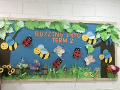 Bird Bulletin Boards, Daycare Bulletin Boards, Science Bulletin Boards, Bulletin Board Design, Preschool Bulletin Boards, Class Decoration, School Decorations, Science Activities For Toddlers, Planting For Kids