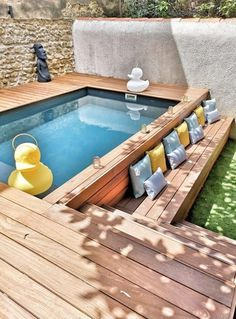 20+ Epic Above Ground Pool With Deck Ideas Small Swimming Pools, Small Pools, Swimming Pools Backyard, Swimming Pool Designs, Pool Landscaping, Swiming Pool, Oberirdischer Pool, Lap Pools, Indoor Pools