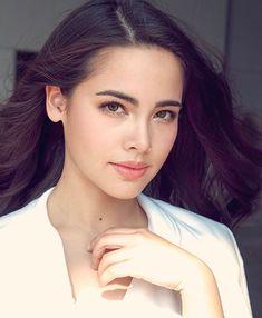 "831 Beğenme, 4 Yorum - Instagram'da Mark & Yaya (@markya_family): ""สาวน้อย น่ารักจังงง❤️ #urassayas Cr. @kipun_kp"" Pure Beauty, Beauty Women, Most Beautiful Faces, Beautiful Women, Korean Beauty, Asian Beauty, Beauty Makeup, Hair Makeup, Liza Soberano"