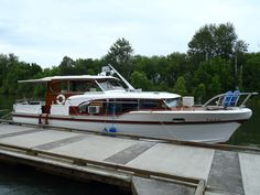 1957 CHRIS CRAFT CONSTELLATION, 38'