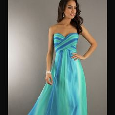 Shop prom dresses and long gowns for prom at Simply Dresses. Floor-length evening dresses, prom gowns, short prom dresses, and long formal dresses for prom. Prom Dress 2013, Homecoming Dresses, Strapless Dress Formal, Bridesmaid Dresses, Prom Gowns, Formal Dress, Bridesmaids, Wedding Dresses, Vestido Dress