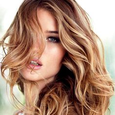 French for tortoiseshell, écaille is the new ombre.