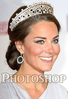 Kate in onyx tiara Royal Tiaras, Tiaras And Crowns, Prinz William, Princesa Kate, Prince William And Catherine, Fancy Hats, England Fashion, Kate Middleton Style, Duchess Kate
