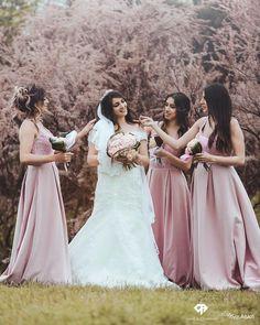 @amalandcompany x @moezaskriphotography  Bride with her bridemaids �� __________________________________ #wedding #weddingphotography #weddingtime #bride #bridesmaids #dress #bridesmaiddress #bridetobe #photography #photographer #mariage #class #classy #chic #amalandcompany #collaboration #toulouse #montpellier #paris #dijon #lyon #marseille #nice #bordeaux #perpignan #nantes http://gelinshop.com/ipost/1524608782720609604/?code=BUof5wzgK1E