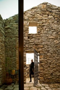 Perfect Retreat House in Portugal by Orgânica Arquitectura