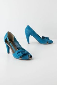 Overbow Cutout Heels l adorable