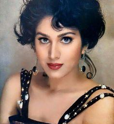 #MeenakshiSheshadri Actress Priyanka, Hindi Actress, Old Actress, Bollywood Actress, Beautiful Girl Indian, Most Beautiful Indian Actress, Beautiful Actresses, 80s Actresses, Indian Actresses