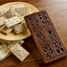 Springerle are pretty German cookies that are usually made around Christmas. Some of the oldest springerle molds are actually traced back to the century. Cookies Decorados, Galletas Cookies, Molded Cookie Recipe, German Cookies, Springerle Cookies, Butter Molds, Cookie Press, Cupcakes, Candy Molds