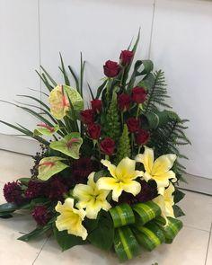 247 Gostos, 0 Comentários - قصر گل آذري(سامان آذري) (@ghasrgol) no Instagram Easy Designs, Modern Flower Arrangements, Exotic, Garden, Flowers, Plants, Instagram, Floral Arrangements, Flower Arrangements