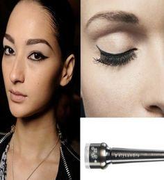 Elysambre black eyeliner #Elysambre #cat-eye #eyeliner