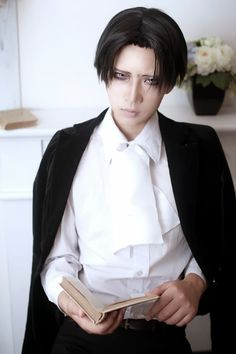 levi cosplay | Rivaille | Levi (Shingeki no Kyojin) Cosplay part 2 by Reika
