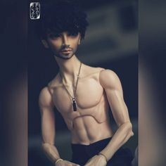 Huh. Is it just me or suddenly Blake's body looks a tad too thin for his head?? Oh. Blake, are you asking for a new body?? O_o #bjd #abjd #balljointeddoll #switch #taeheo