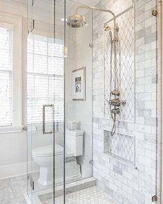 Rustic Farmhouse Bathroom Ideas with Shower 23 - HomeKemiri.com