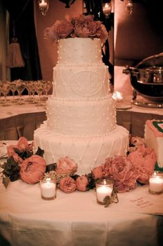 Discover the best ideas for Cake & Desserts! Read articles and watch videos about Cake & Desserts. Wedding Cake Centerpieces, White Centerpiece, Wedding Decorations, Round Wedding Cakes, Wedding Cake Photos, Dream Wedding, Wedding Day, Wedding Stuff, Pink Flowers