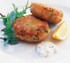 Fishcakes are a great budget choice because they make a little fish go a long way. These easy fishcakes are flavoured with lemon, spring onions and dill. Try making a batch for friends or family this weekend. Olive Recipes, Fish Recipes, Seafood Recipes, Cooking Recipes, Dinner Recipes, Vegetarian Recipes, Recipies, Curry Recipes, Fish Dishes