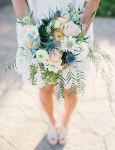 This bouquet is giving us so much inspiration for a boho wedding or a jewel tone color scheme! Floral: Petal PushersInformations About This bouquet is giving us so much i Spring Wedding Bouquets, Winter Bouquet, Flower Bouquet Wedding, Spring Weddings, Flower Bouquets, Bridal Bouquets, Boho Wedding, Floral Wedding, Wedding Colors