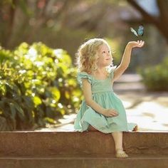 """""""Think of all the beauty still left around you and be happy. Precious Children, Beautiful Children, Beautiful Babies, Cute Kids Photography, Creative Photography, Toddler Girl Photography, Kind Photo, Jolie Photo, Photographing Kids"""
