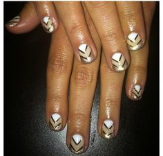 Love these nails!!!@sohotrightnail IG