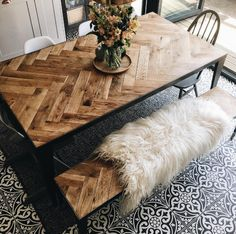 Source: Interior Barn Doors This chevron wood design is the perfect way to add a rustic touch to your dining area. Diy Esstisch, Diy Dining Table, Rustic Table, Dining Area, Outdoor Dining, Diy Wood Table, Dinning Table Design, Farmhouse Tabletop, Diy Table Top