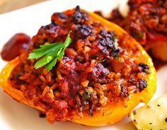 Gefüllte Paprika mit Joghurtsauce, ein schönes Rezept aus der Kategorie Gemüse. Bewertungen: 261. Durchschnitt: Ø 4,6.