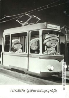One of the Few Things that was better in East Germany than in the West: the goodnight Show for Kids. So cute! 1977, Sandmann fährt Straßenbahn