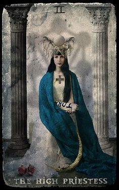 the high priestess card / photography and art by taslimur