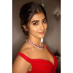 Pooja Hegde POOJA HEGDE : PHOTO / CONTENTS  FROM  IN.PINTEREST.COM #WALLPAPER #EDUCRATSWEB