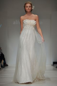 8504: Alfred Angelo Wedding Dress -- Bridal Modern Vintage 2012 Collection