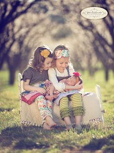 baby pic baby Perfect baby photos So precious Cute birthday Sibling Photography, Love Photography, Children Photography, Outdoor Photography, Baby Pictures, Baby Photos, Cute Pictures, Family Pictures, Cool Baby