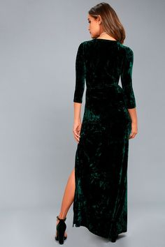 The room will come to life when you enter, in the Keep Love Alive Forest Green Velvet Maxi Dress! Luxe crushed velvet creates this maxi. Holiday Dresses, Winter Dresses, Summer Dresses, Forest Green Dresses, Casual Dresses For Teens, Prom Dresses, Wedding Dresses, Sleeve Dresses, Prom Dress Shopping