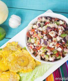 Receta de Ensalada de Pulpo con Pulpo pre-cocido. Sea Food Salad Recipes, Fish Recipes, Seafood Recipes, Cooking Recipes, Healthy Recipes, Pasteles Puerto Rico Recipe, Puerto Rico Food, Boricua Recipes, Comida Boricua