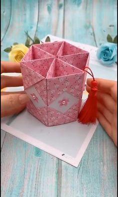 Diy Crafts Hacks, Diy Crafts For Gifts, Diy Arts And Crafts, Creative Crafts, Paper Flowers Craft, Paper Crafts Origami, Paper Crafts For Kids, Instruções Origami, Oragami
