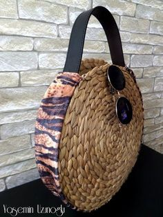 New basket weaving diy ropes Ideas Diy Handbag, Diy Purse, Diy Pochette, Diy Straw, Diy Bags Purses, Round Bag, Jute Bags, Boho Bags, Basket Bag
